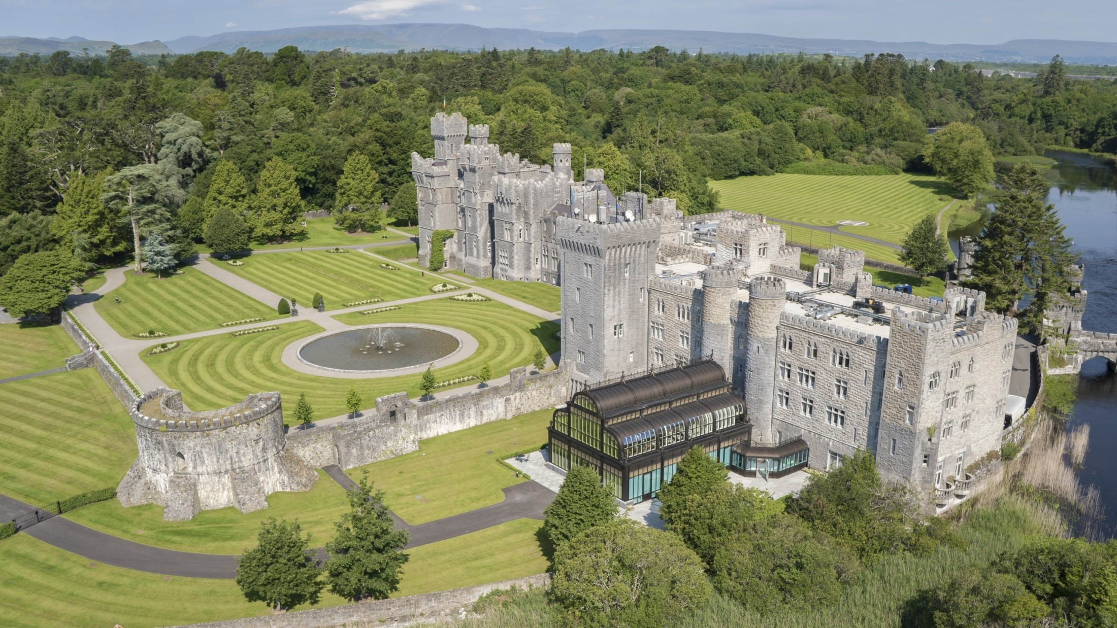 THE CHRISTMAS GIFT OF DREAMS: ASHFORD CASTLE LAUNCHES GIFT VOUCHERS WITH VALUE ADDED
